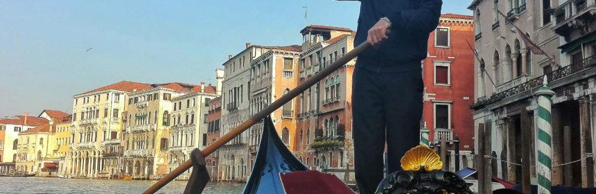 weekend a venezia gondola