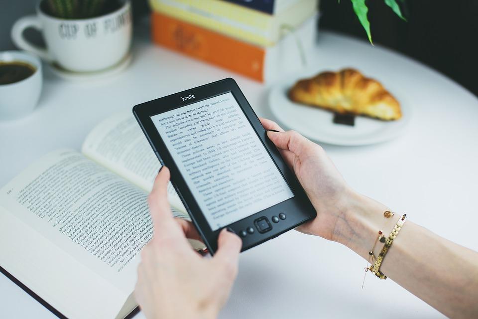Kindle in viaggio: tutti i vantaggi e qualche consiglio viaggi