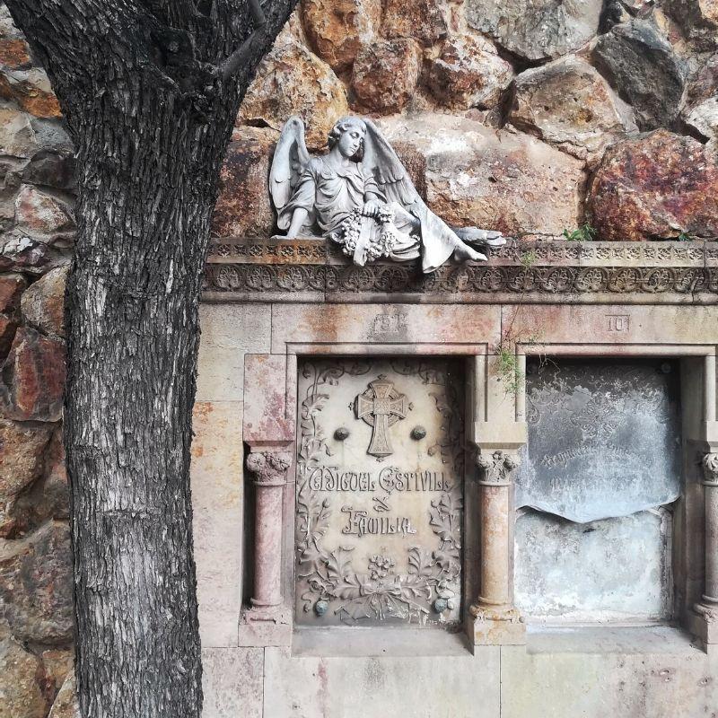 tombe al cimitero di Montjuic