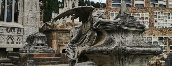 sculture al cimitero monumentale di Montjuic