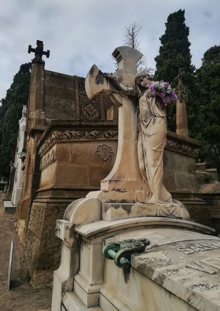 visitare il cimitero di Montjuic
