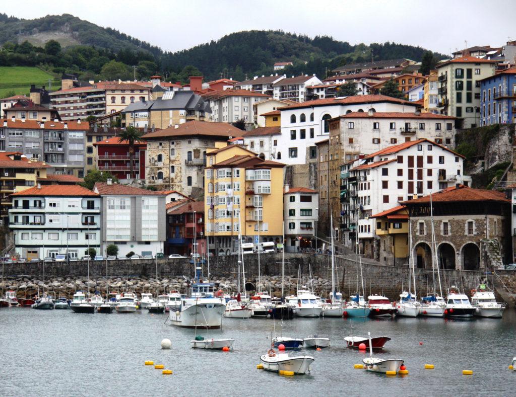 mutriku porto e villaggio