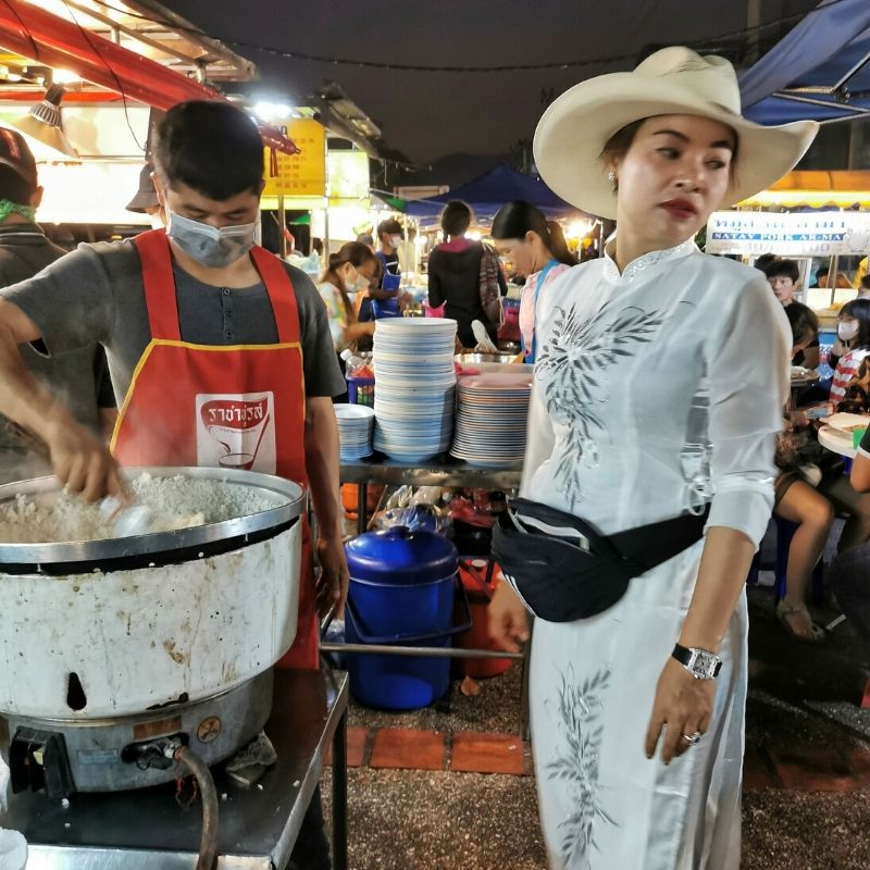 cowboy hat lady Chang Puak Gate Market