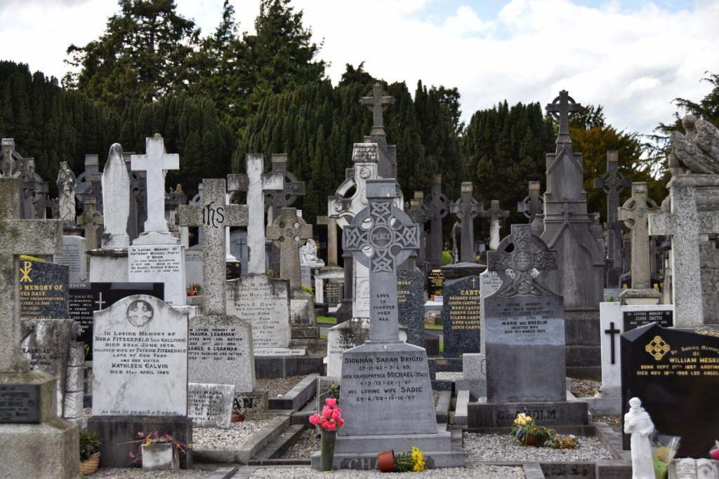 croci di pietra al glasnevin cemetery dublino